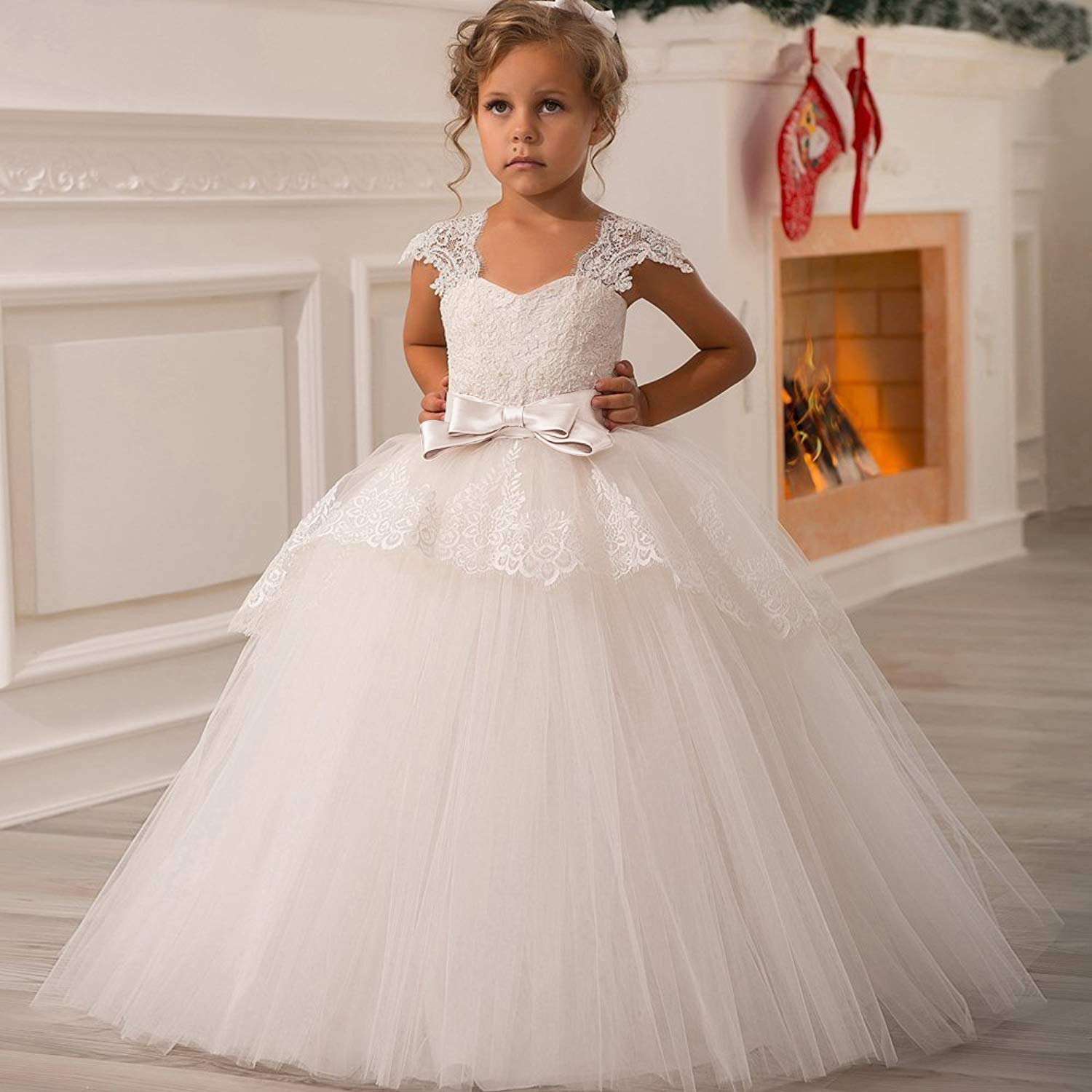 f3b76070463 Amazon.com  Elegant Lace Appliques Cap Sleeves Tulle Flower Girl Dress 1-14  Years Old  Clothing