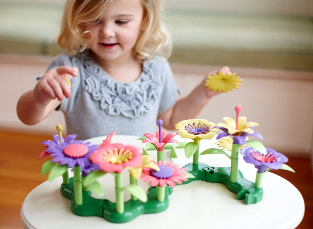Amazon green toys build a bouquet floral arrangement playset amazon green toys build a bouquet floral arrangement playset bpa free phthalates free creative play toys for gross motors fine motor skill izmirmasajfo