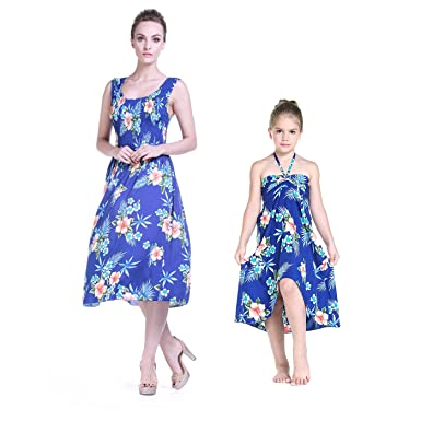 6806ba88b04b2 Mère et Fille Correspondant à Hawaii Luau Tank Robe élastique Fille  Papillon en Bleu d hibiscus  Amazon.fr  Vêtements et accessoires