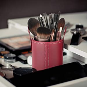 Makeup Brush Holder Travel Brushes Case Organizer Cup Storage Dustproof for Women and Girls (Y-Red) (Color: Y-Red)