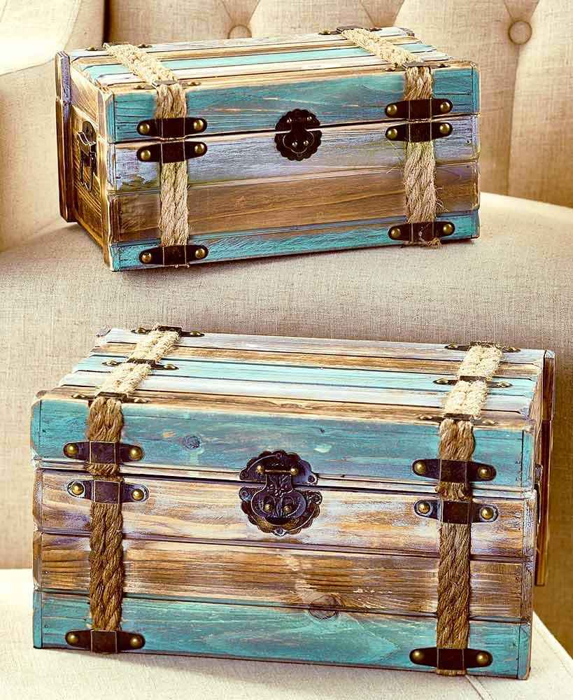 The Lakeside Collection Set of 2 Wood Pallet Trunks