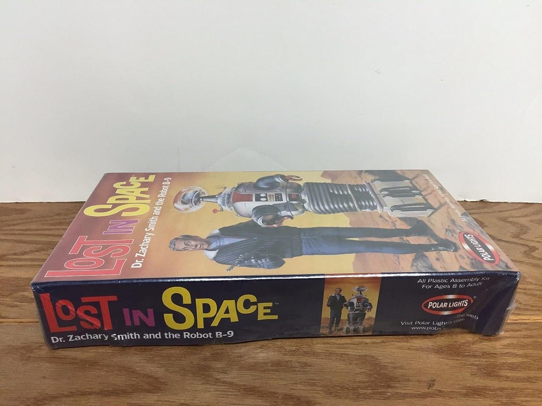 Amazon.com: Perdidos en el espacio robot modelo kit con Dr ...