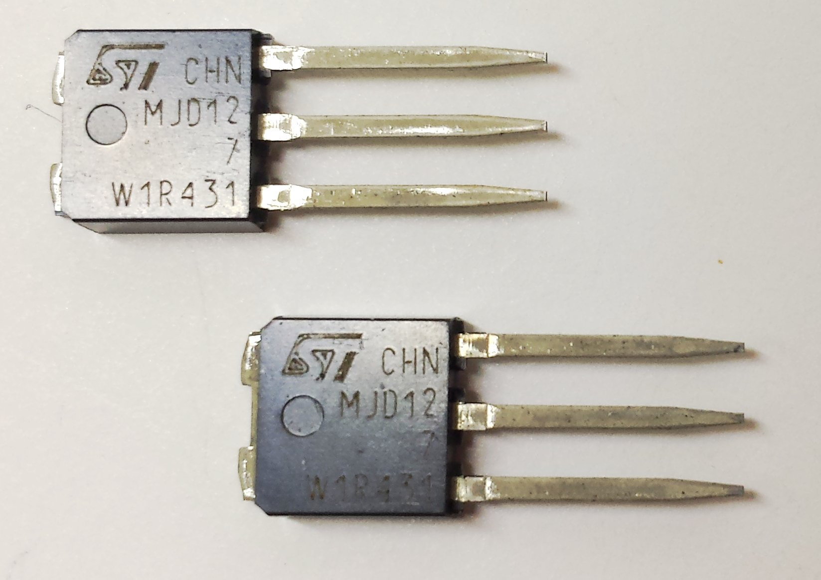 20 pieces MJD127-1 PNP POWER DARLINGTON TRANSISTOR | 5A | Vceo 100V | Vcbo 100V | Ptot 20W | IPAK (TO-251) Package