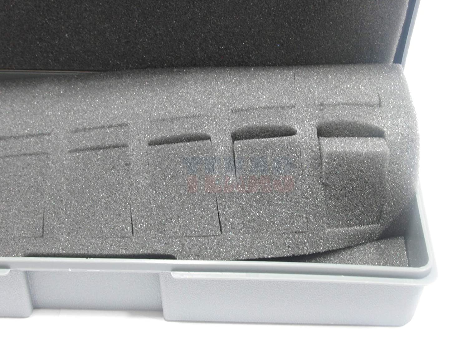 14 Figure Capacity Chessex Dice 02860 - Small Figure Carrying Cases 25mm Humanoids Chessex Figure Storage Boxes: Role Playing Games RPGs
