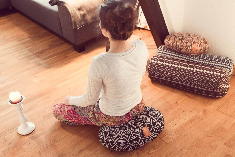 Certified Organic Produce Ideal as Yoga Cushion Rondo zafu Meditation Meditation mat //17.7 x 11.8 x 5.5 100/% Cotton #DoYourYoga Crescent Yoga Cushion /»Ganesh/« with Organic Spelt Hull