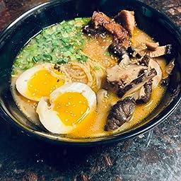 Amazon Com Vallenwood 2 Noodle Bowl Sets 8 Piece Melamine Large Ramen Bowls Set Asian Chinese Japanese Or Pho Soup 32oz With Spoons Chopsticks And Stands Complete Dinnerware Thai Miso Udon Wonton Soup