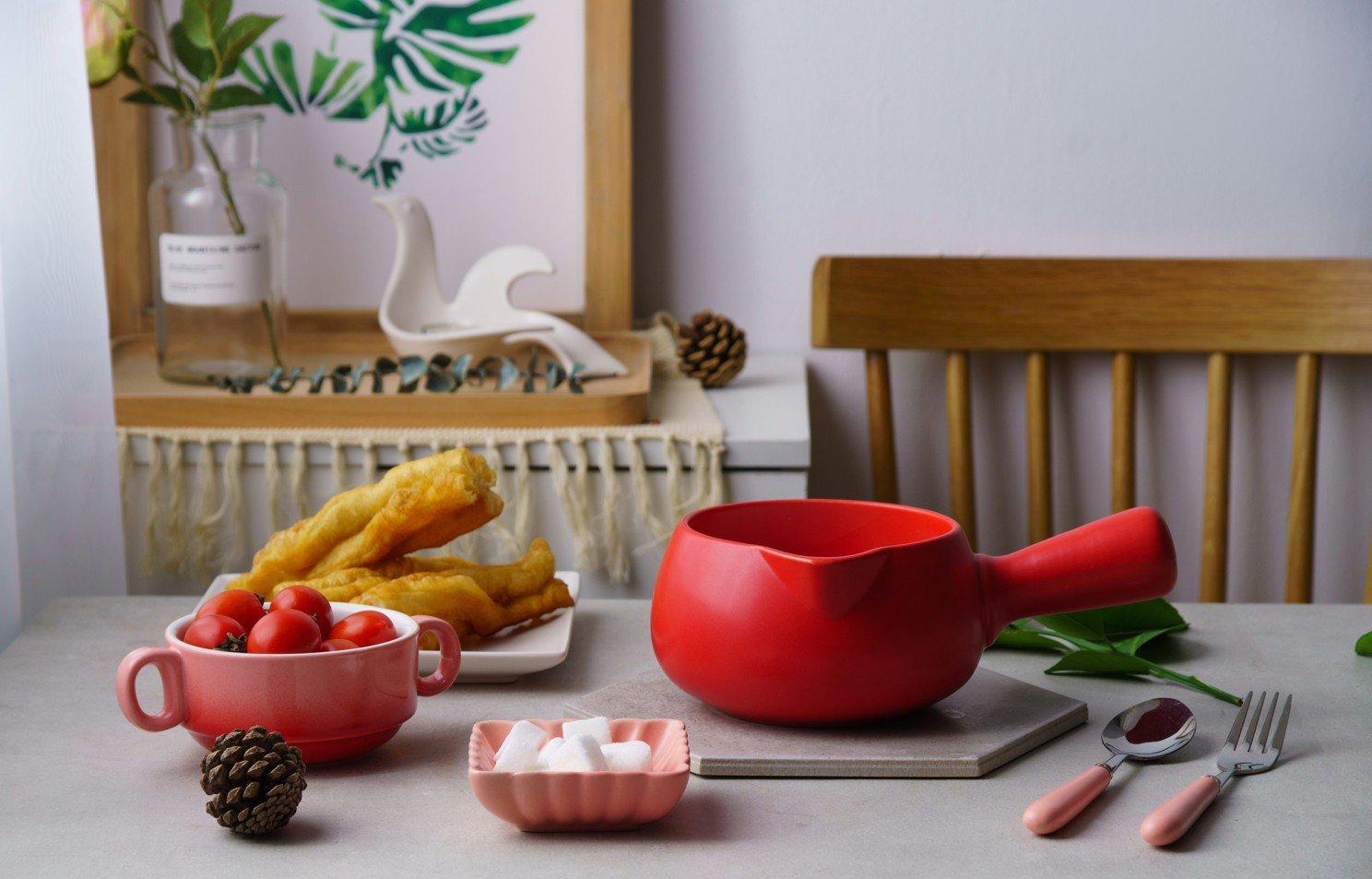 Leermart Ceramic Warmer Milk Butter Mini Saucepan Cookware Kitchen Cookware Pot(500ml) (red)