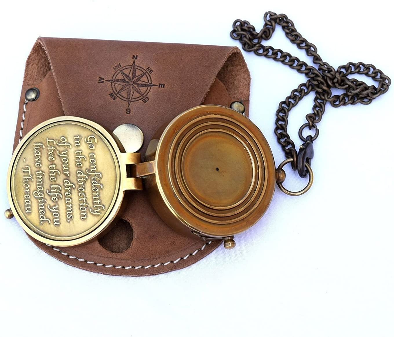 Bussola in ottone inciso by Euphoria collezione Vintage compass compass per hiking navigation bussola nautica case marine Old in pelle con catena in bronzo in hand
