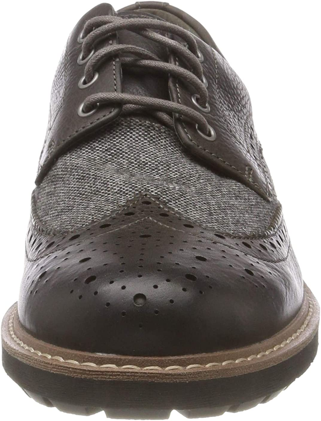 Clarks Batcombe Wing Leather Shoes in Dark Tan