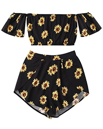 acc156f53f9d00 ZAFUL Women s 2 Pcs Floral Print Off Shoulder Crop Top and Shorts Bohemian  Two Pieces Set
