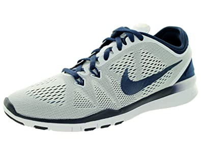 new product 048c7 a77b8 Nike Women's Free 5.0 Tr Fit 5 Running Shoes (6 B(M) US, White/Midnight  Navy)