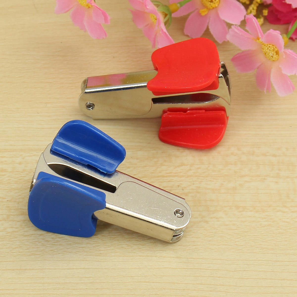 Plastic & Metal Mini Stapler Accessories Staple Remover for Home Office School by Thailand (Image #5)