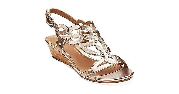 b04cf78f9c7 CLARKS Playful Tunes Womens Gold Leather Sandal 9.5-Medium