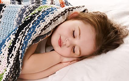 eb13c842b5a MNTC Cute Baby Girl Sleeping Poster: Amazon.in: Home & Kitchen