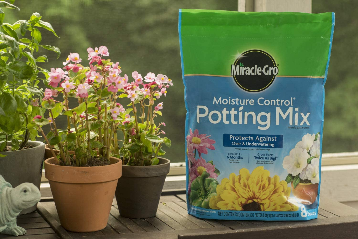 Miracle-Gro Moisture Control Potting Mix 8 qt., Protects Against Over and Under Watering Container Plants, 2 Pack : Garden & Outdoor