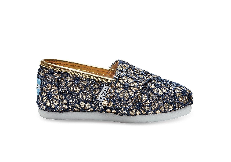 Amazoncom Toms Classics Gold Crochet Glitter 10006351 Tiny 8 Shoes