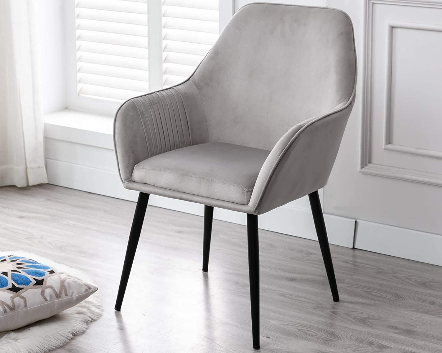 CIMOTA Grey Velvet Accent Chair Modern Upholstered Armchair Comfy Leisure Side Chair Makeup Vanity Chair for Living Room Bedroom Dining Room