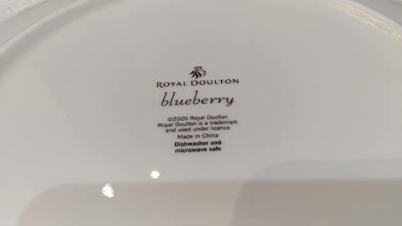 Amazon.com | Royal Doulton Blueberry Beautiful Plates Dinnerware set Dishes Dinnerware Sets & Amazon.com | Royal Doulton Blueberry Beautiful Plates Dinnerware set ...