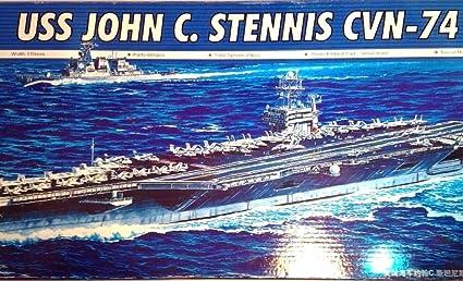 Amazon.com: Trumpeter USS John C. Stennis CVN-74 escala 1 ...