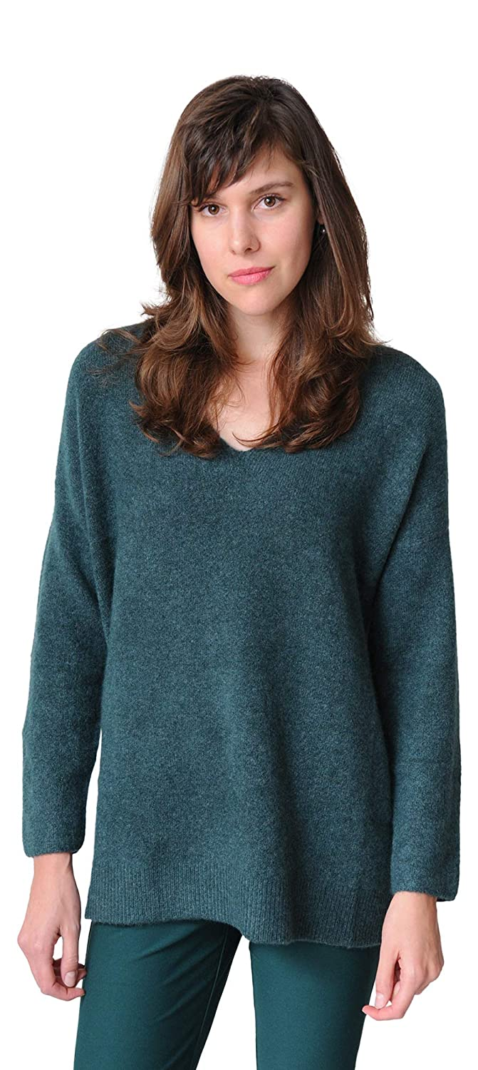 0c47f2f84b9bd5 Eileen Fisher Cashmere Silk Boucle Bliss V-Neck Top at Amazon Women's  Clothing store: