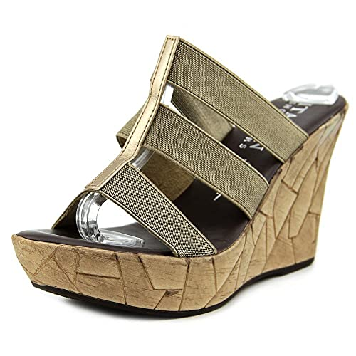 c0315695a47d Italian Shoemakers Womens Mystic Wedge Sandals 6 Brown  Amazon.ca ...