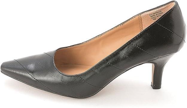 Karen Scott Womens CLANCY Pointed Toe
