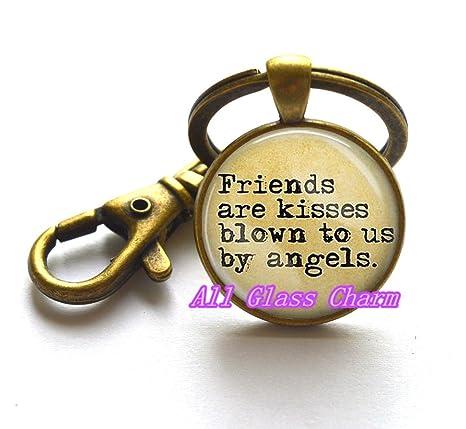 Amazon.com: Hermoso llavero, los amigos son besos soplado a ...