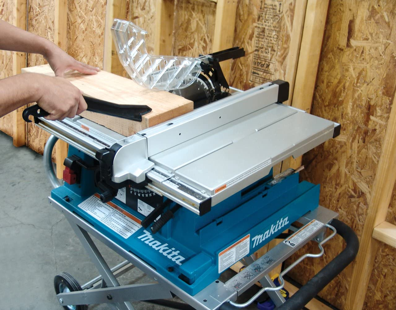 Makita 2705X1 featured image 3
