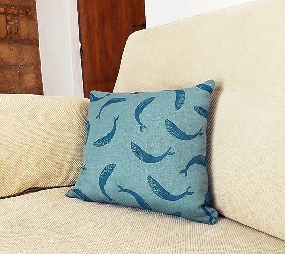 Cojín de lino estampado y loneta. Modelo: Ballenas ...