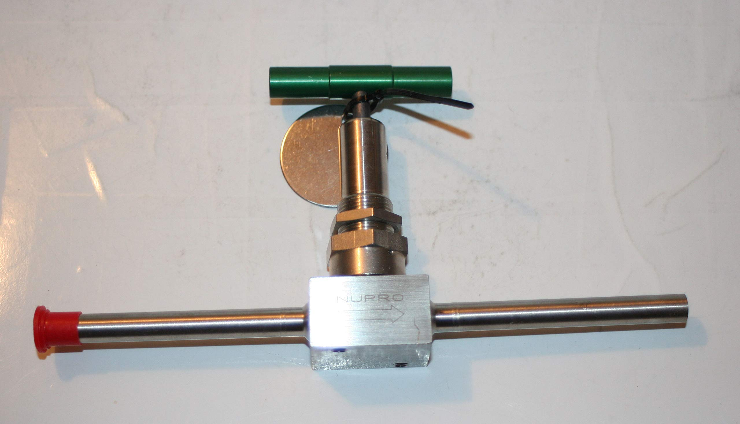 3/8'' Weld SS Bellows Sealed Needle Valve (1000 PSIG @ 100°F) Nupro Swagelok SS-6BW-TB3B