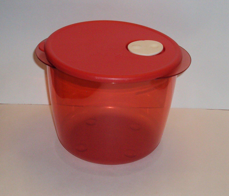 Tupperware Rock N Serve 3 1/2 Quart Mega Deep Round Microwave Dish in Red