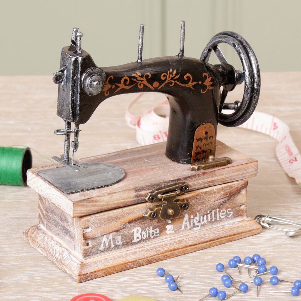 Estilo Vintage botones y caja de almacenaje de costura hilos - inusual caja de joyero de madera con decorativo de coser a la tapa y Durable hebilla de metal ...
