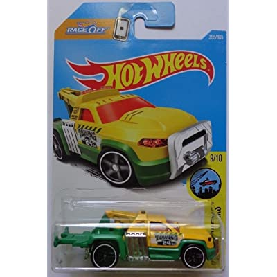 Hot Wheels 2020 Repo Duty Yellow and Green HW City Works 355/365: Toys & Games
