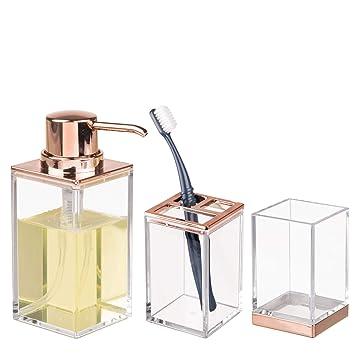 mDesign Juego de 3 accesorios para el baño - Porta cepillos de dientes, dosificador de jabón y vaso - Fabricados en plástico resistente ...