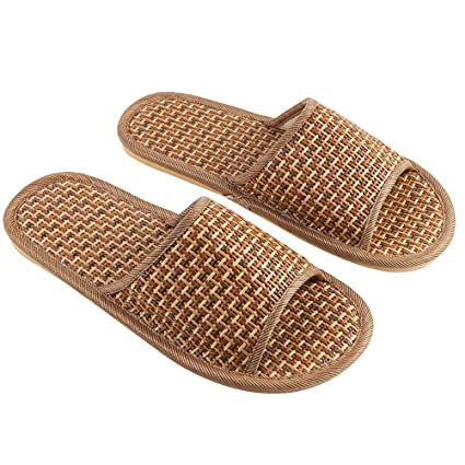 839f5ec2f7d10f Image Unavailable. Image not available for. Color  TENDYCOCO Bamboo Straw  Slippers Open-Toe Flip Flop Sandal Indoor Outdoor Slippers for Men Women