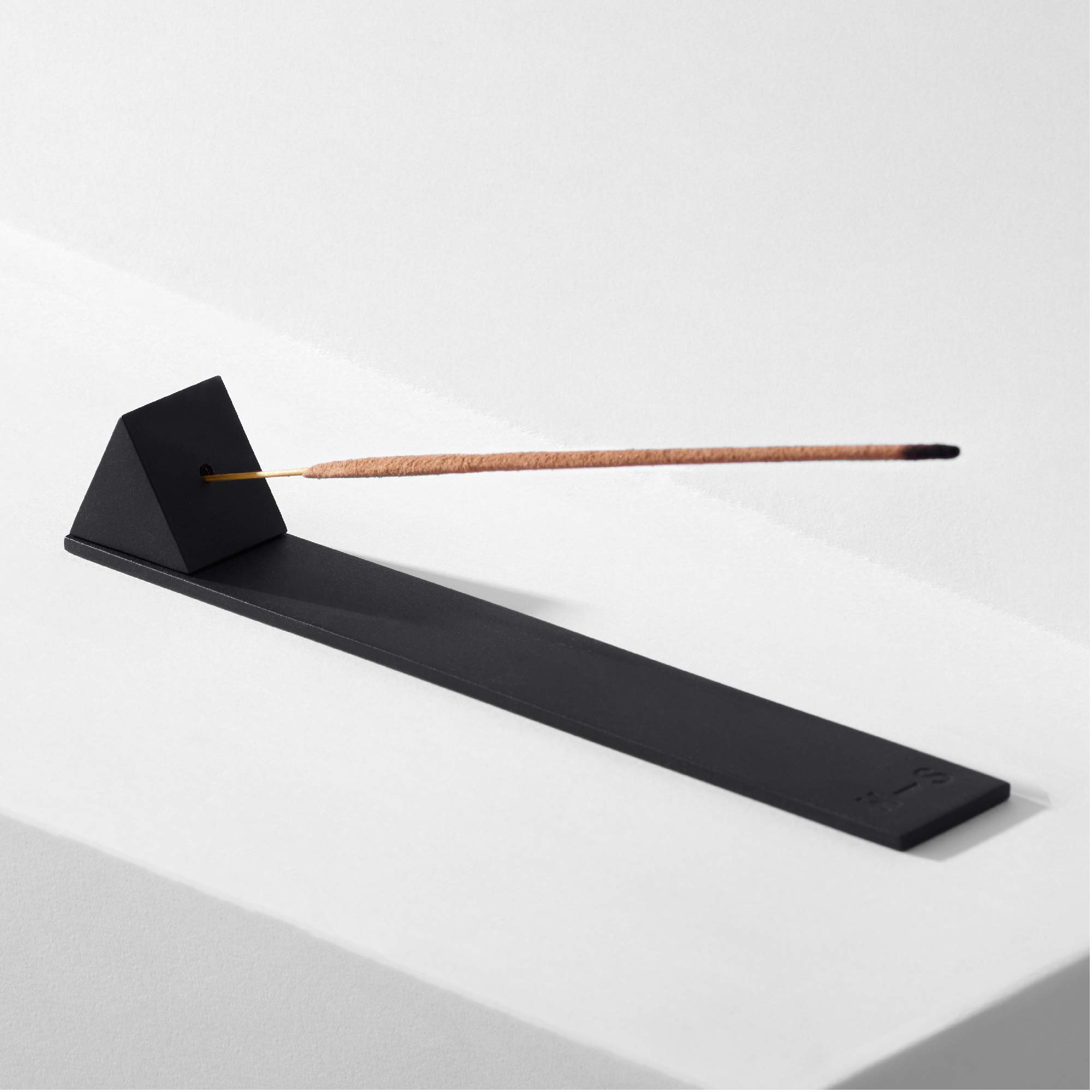 HABITUAL STORE Incense Burner Holder and Tray, Modern Prism Design, Matte Black - Metal Incense Burning Set with Ash Catcher for Sticks - Stylish Meditation and Yoga Accessories, Gift Set for Women