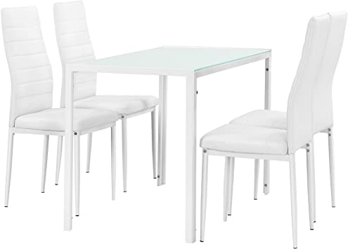 mesas blancas sillas blancas