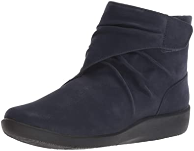 e7290f504689 Clarks Women s Sillian Tana Fashion Boot  Amazon.co.uk  Shoes   Bags