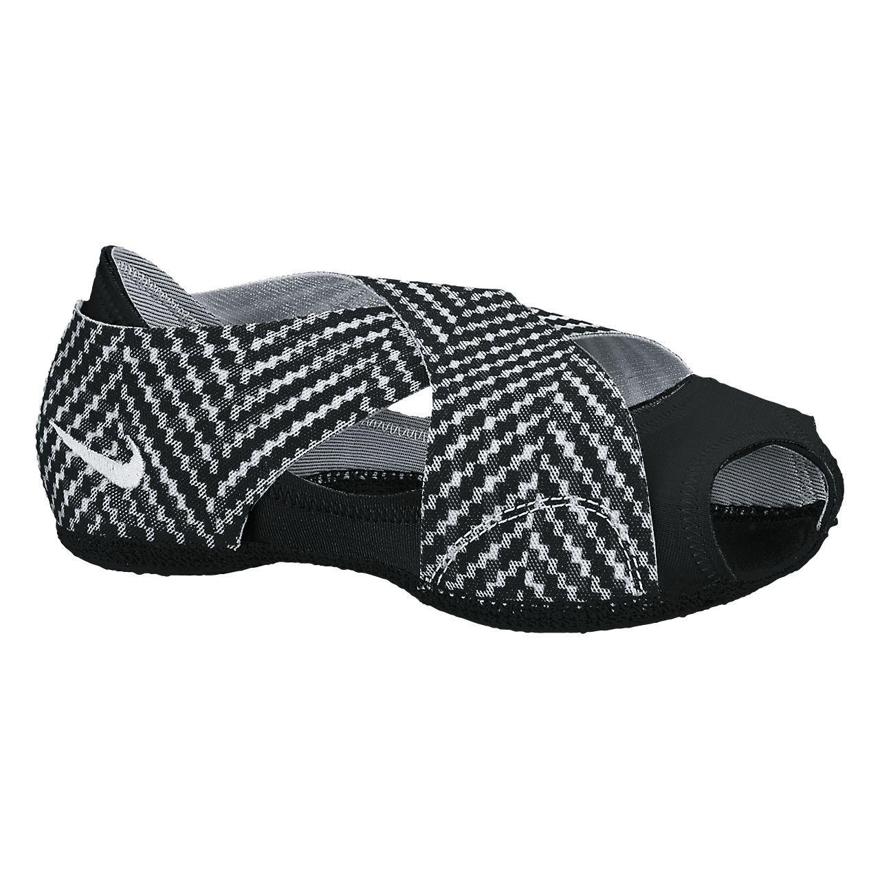 Amazon.com: Nike Studio Wrap Ballet Yoga 2 Impresión Blanco ...