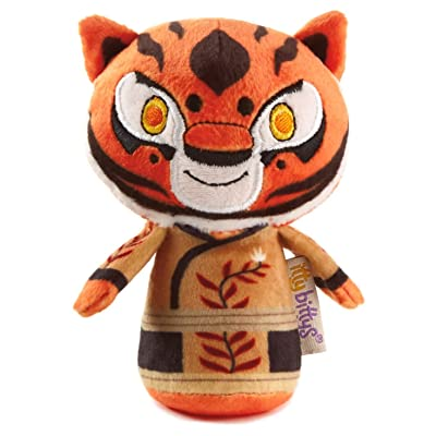 Hallmark itty bittys Kung Fu Panda Tigress Stuffed Animal: Toys & Games