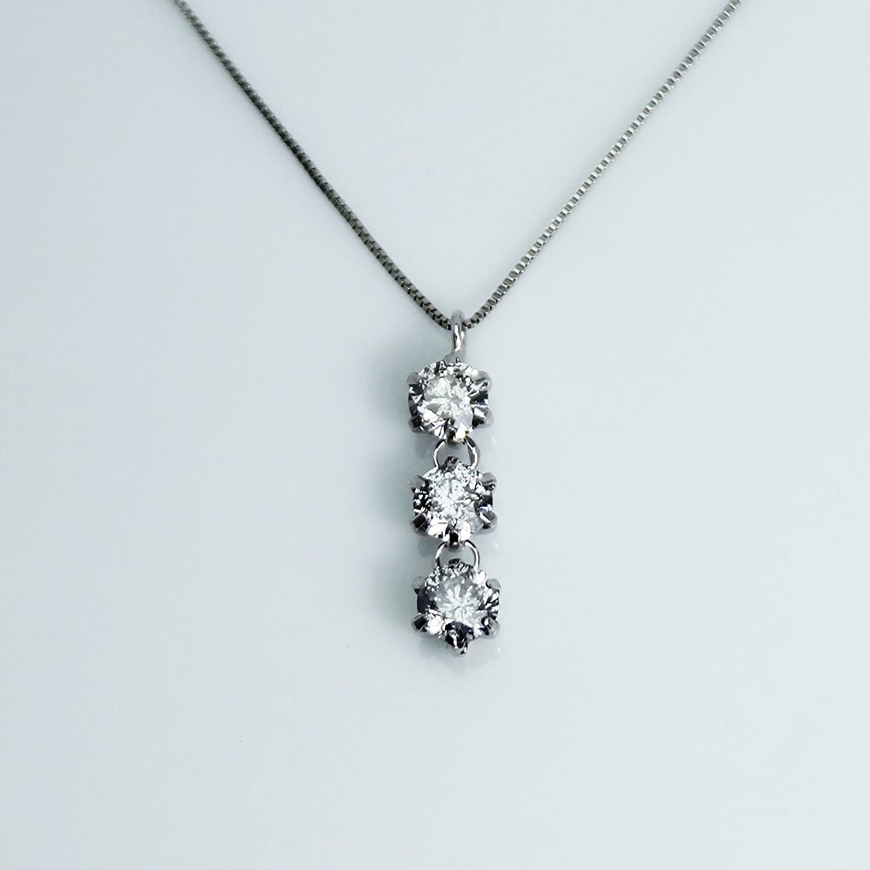 【KASHIMA】K10ホワイトゴールド 0.5カラット ダイヤモンド 3ストーン ペンダント ネックレス
