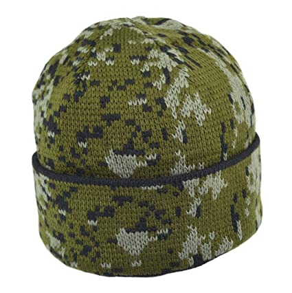 Amazon.com  Russian Military Winter Hat Chechenka (Green)  Sports ... f4351f73ae9