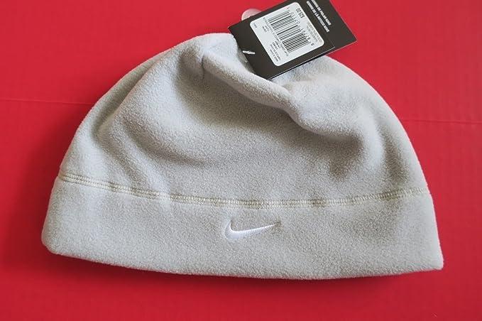 231a7491f6d Amazon.com  Nike Arctic Fleece Beanie (Wolf Grey)  Sports   Outdoors