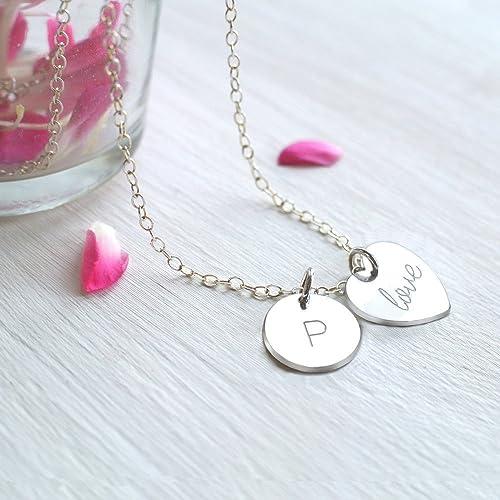 Personalizado plata esterlina pequeño corazón de 'love' o 'amor' y collar de disco inicial