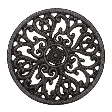 Sumnacon 6.7  Cast Iron Trivet, Decorative Round Trivet Mat Hot Pot Holder Pads with Vintage Pattern and Rubber Pegs/Feet for Rustic Kitchen Counter Or Dining Table