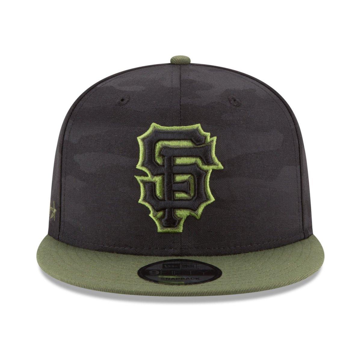4bba66535 Amazon.com  New Era San Francisco Giants 2018 Memorial Day 9FIFTY  Adjustable Snapback Hat  Clothing