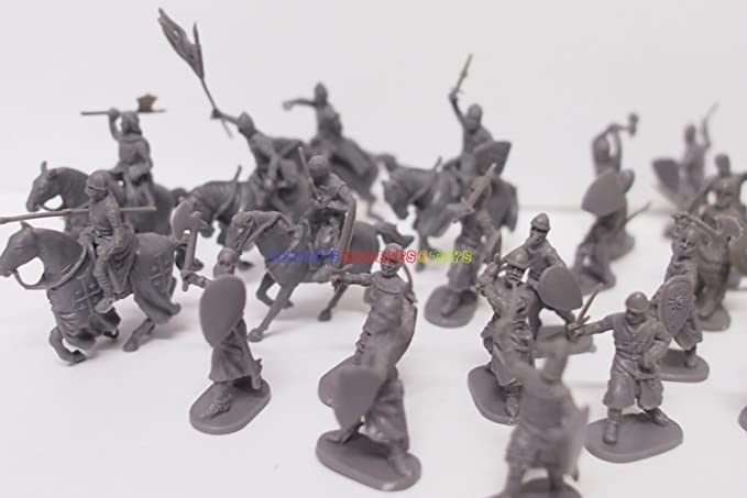 New Caesar 1//72 European Medieval Knights Crusaders Figures 24pcs Diff. Poses