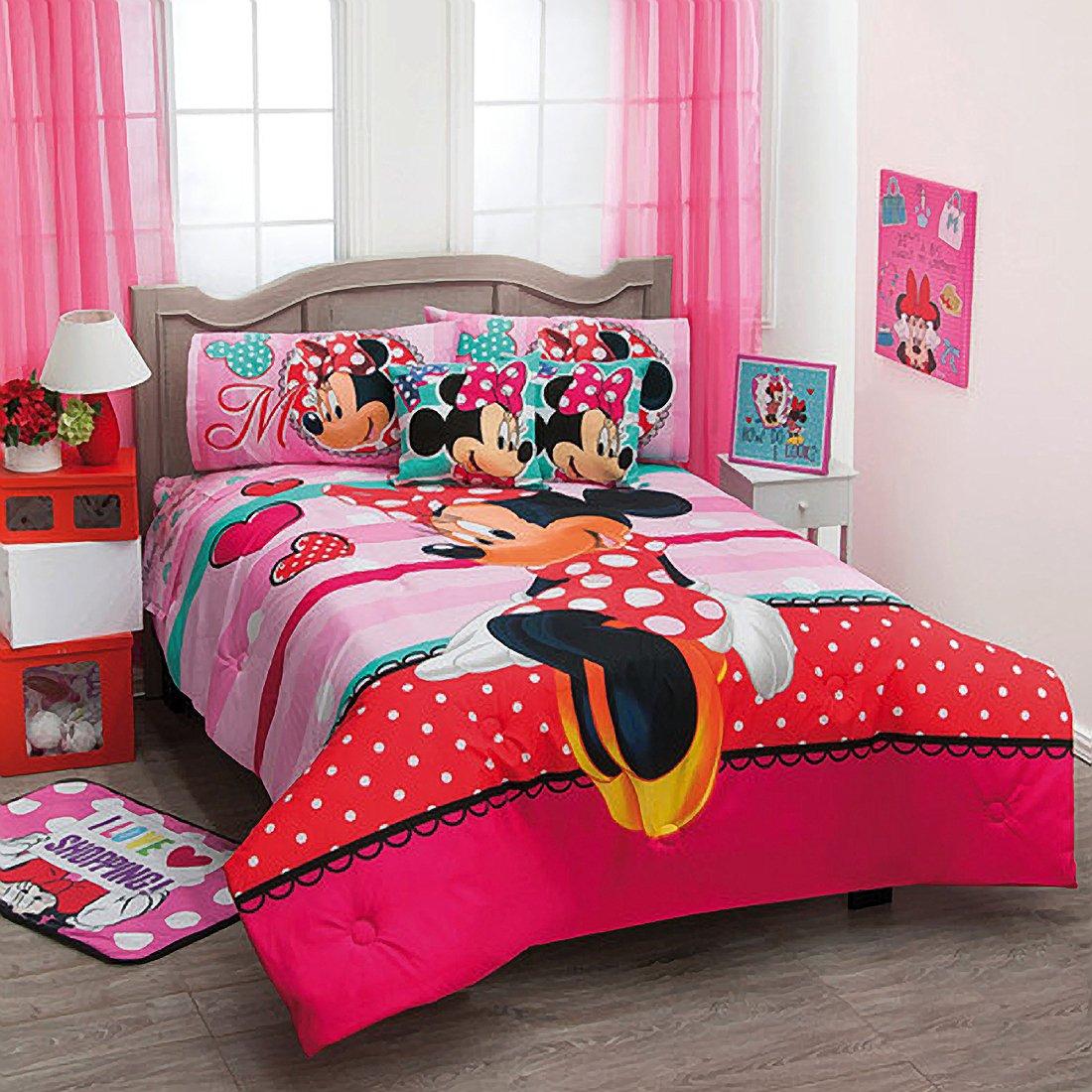 Minnie Love Reversible Comforter Set 7 Pcs. / Queen