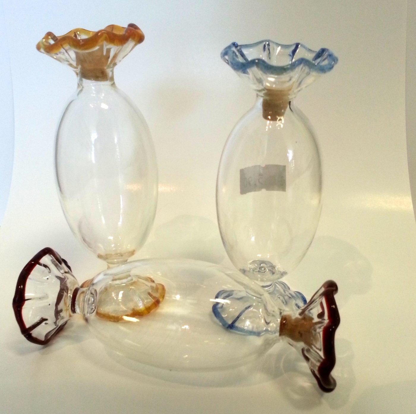 progettazione Oberstdorfer Glash/ütte contenuto 0,05 litri e una larghezza circa 10 centimetri carafa in una forma di una caramella vetro chiaro e soffiato a mano con bordo colorato da riempiere Bottiglia di vetro trasparente