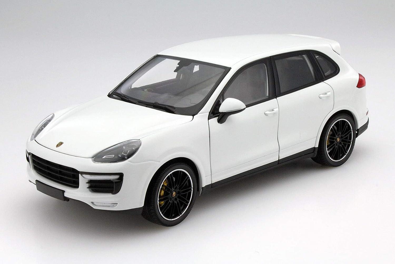 Turbo S 2014 White Ltd 1:18 Minichamps Porsche Cayenne 300 92a